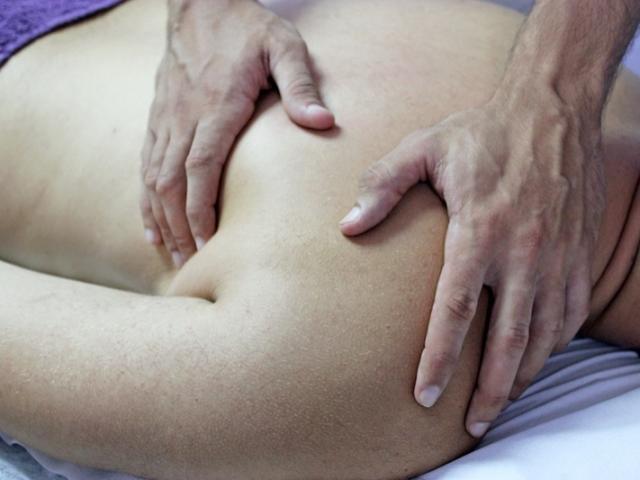 Traitement des cervicalgies et des torticolis, du soulagement sans craquement.